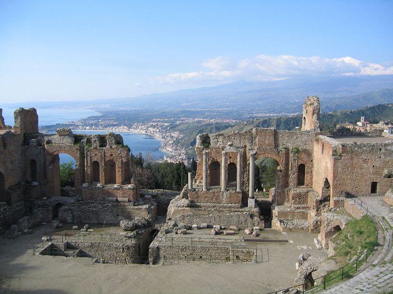 1280px-Taormina-Teatro_Greco01_800x600