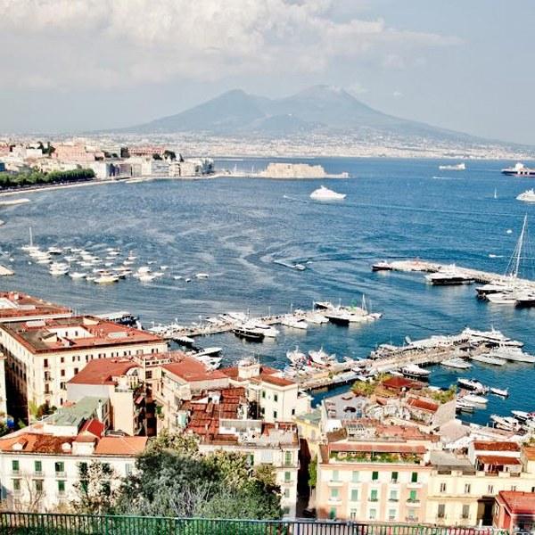 Vedi Napoli e ti innamori_